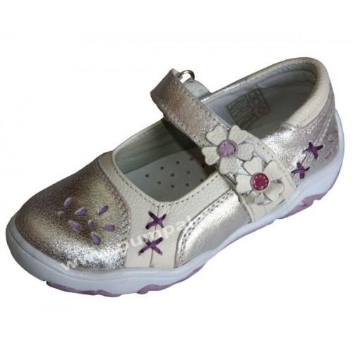 Обувки с цветя