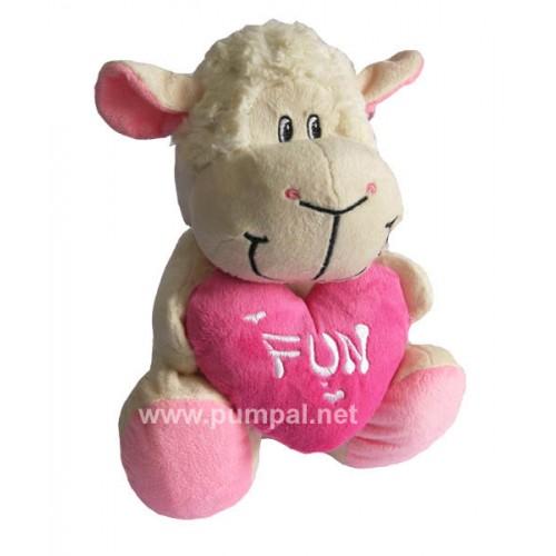 Овчица със сърце