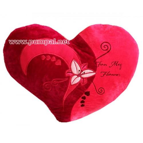 Плюшено червено сърце с цвете