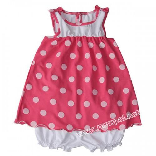 Розова рокля с бели точки