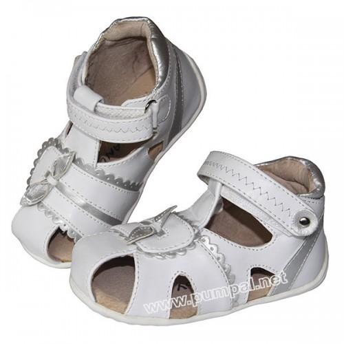 Бели сандали за официален повод